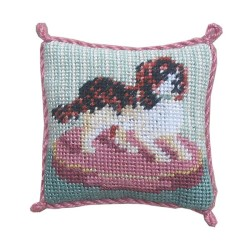 <b>NM40 Tyyny, Spaniel on Cushion </b>