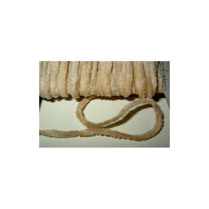 <b>Chenillenauha medium, leveys n. 2 mm, beige</b>