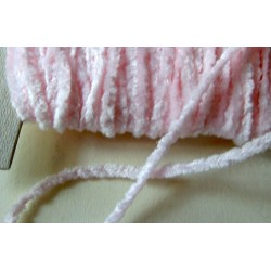 <b>Chenillenauha medium, leveys n. 2 mm, baby pink</b>