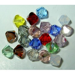 <b> Swarovski bicone 4 mm, colour mix (20 kpl) </b>