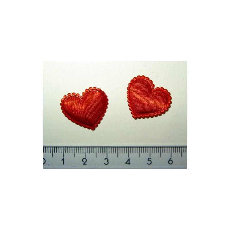 <b> Satiinisydän, punainen piparireuna (8 kpl)</b>
