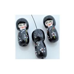 Posliinihelmi, geisha musta
